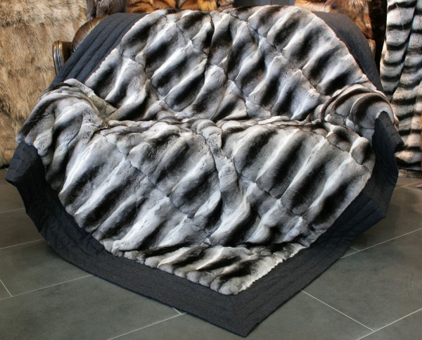 Framed Chinchilla fur blanket - natural furs