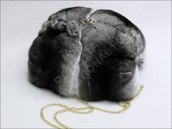 674 Chinchilla fur muff - natural