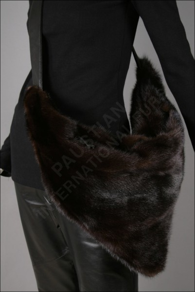 203 exquisite handbag made from natural mink and leather