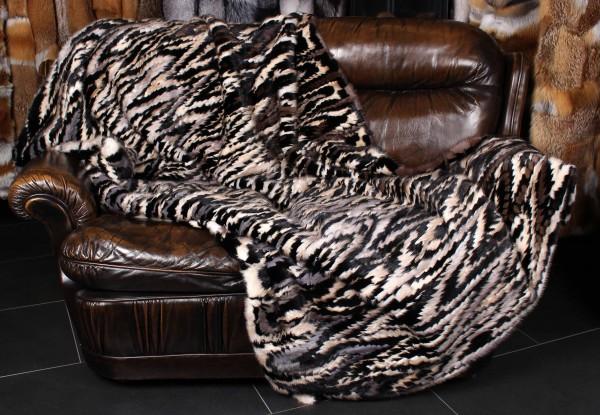 Cobija de piel de visón con diseño extravagante
