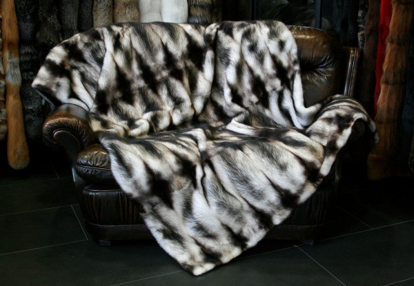 Fur throw from canadian fitch