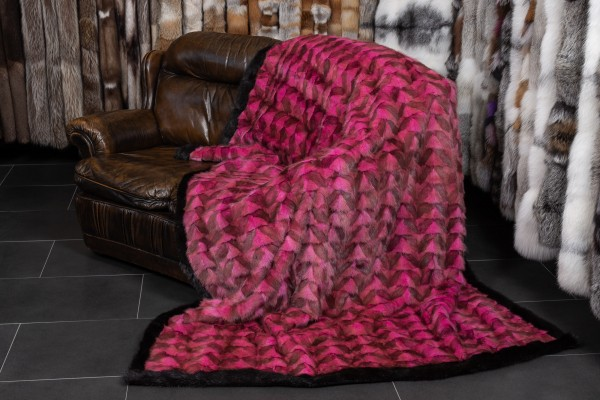 Muskrat Real Fur Throw in Pink-Black