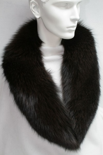 SAGA blue fox fur collar in brown
