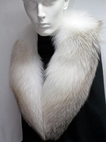 SAGA fawn light fox fur collar