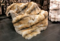 Golden island fox fur blanket - SAGA quality