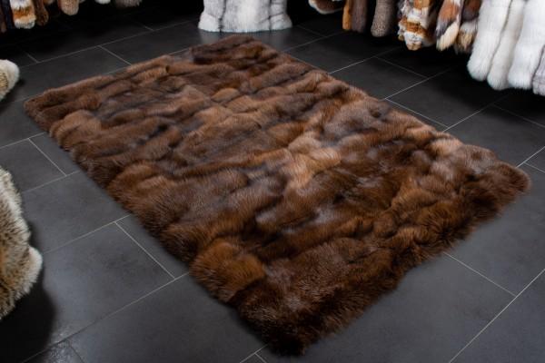 Arctic Marble Fox Fur Rug in Maroon