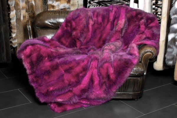 American Possum Real Fur Blanket in Pink