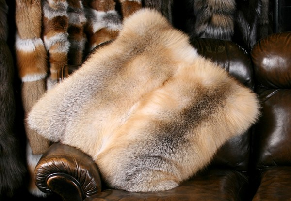 Golden Island fox fur pillow (SAGA Fur)