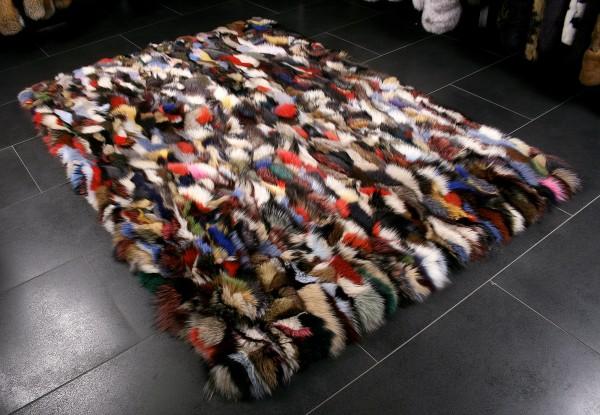Multicolor Fur Carpet in multicolor