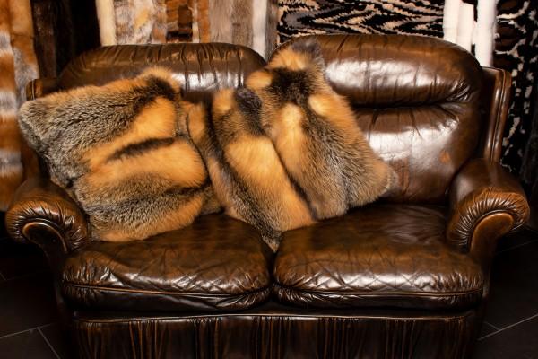 Cojín de zorro canadiense salvaje