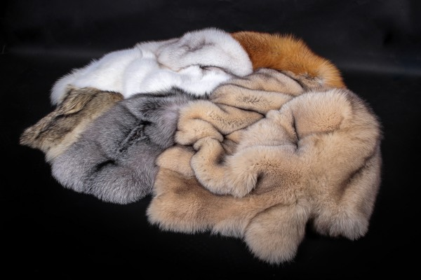 Real Fur Dog Bed SAGA Fox