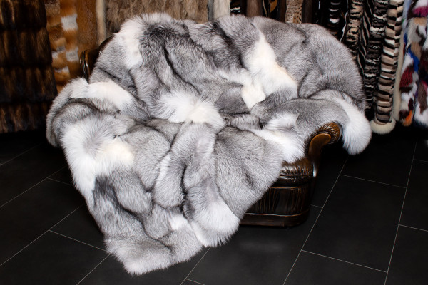 Special Platinum Frost Fox Fur Blanket - TOP LOT 2019