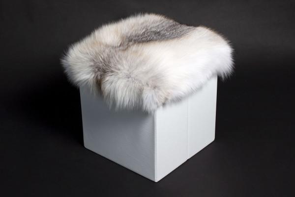Real Fur Sitting Cube with Scandinavian Fawnlight Fox