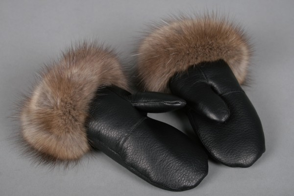 Sable fur mittens
