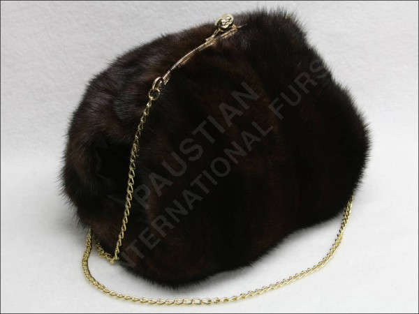 643 Muff bag made from mink furs***