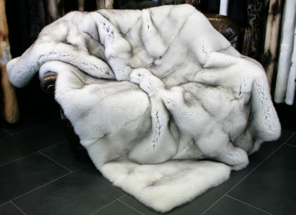 Blue fox fur blanket - SAGA quality
