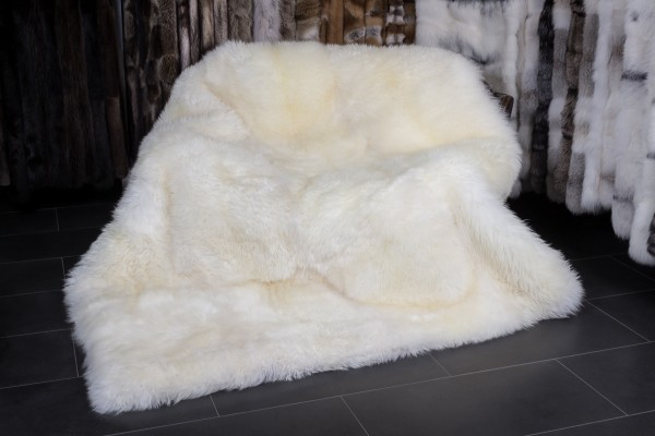 Australian Lamb Blanket - Lamb Fur Carpet in Natural White