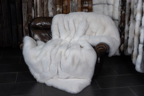 Shadow Fox Fur Blanket with plucked Mink Lining in white