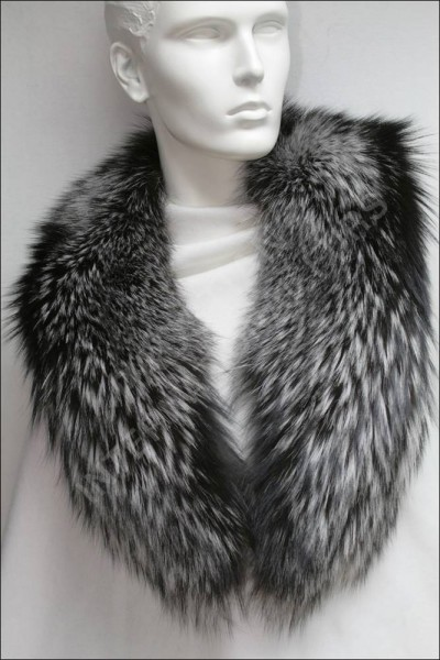 SAGA silver fox fur collar