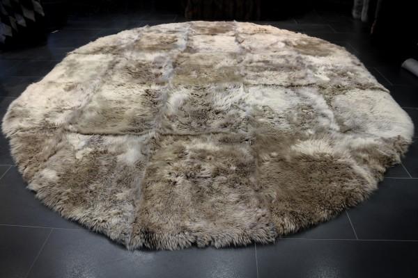 Lamb fur carpet with white peaks