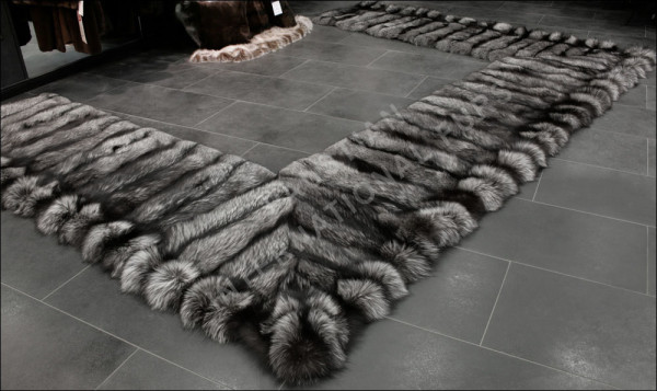 SAGA Silver Fox Fur bedside rug - Natural