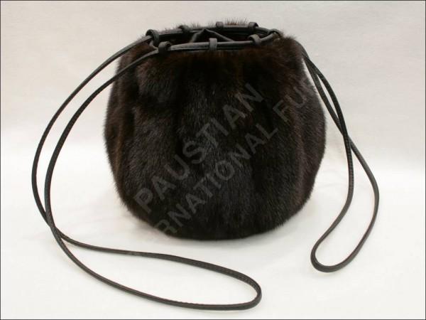 677 Fur muff bag made of mink
