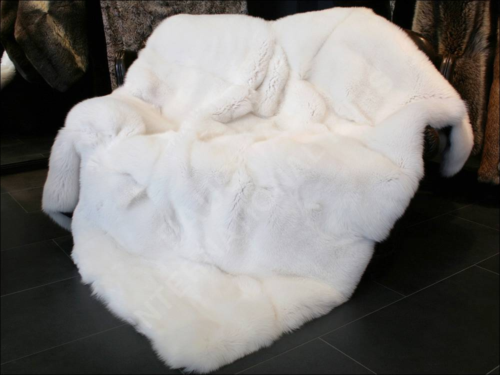 Natural colors and designs are some of the most popular styles you'll find in our selection of faux fur throw blankets. The simple, neutral color tones such as black, brown, white, and grey, can be added to any interior design style and look like they always belonged.